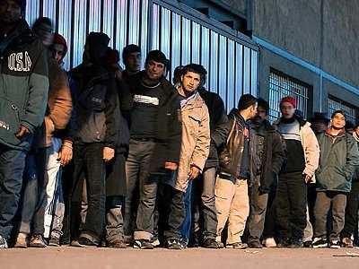 Πρόσθετη ευρωπαϊκή οικονομική στήριξη για τη λήψη δακτυλικών αποτυπωμάτων των μεταναστών στην Ελλάδα