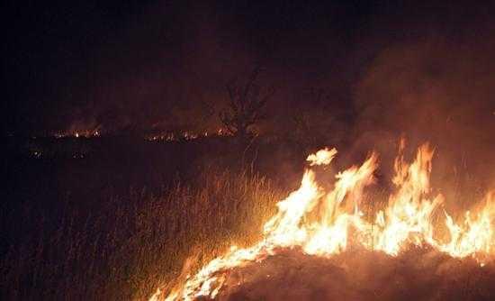Εκαψε το σπίτι του και έριξε στο γκρεμό το ΙΧ του για να μην τα πάρουν οι τράπεζες!