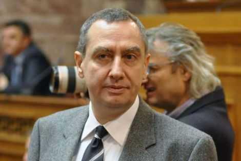 Γκαζάκια στο πολιτικό γραφείο του Γ. Μιχελάκη