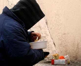 Φτωχοί οι μισοί Ελληνες