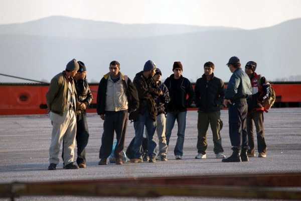 Γέμισαν τα νησιά λαθρομετανάστες