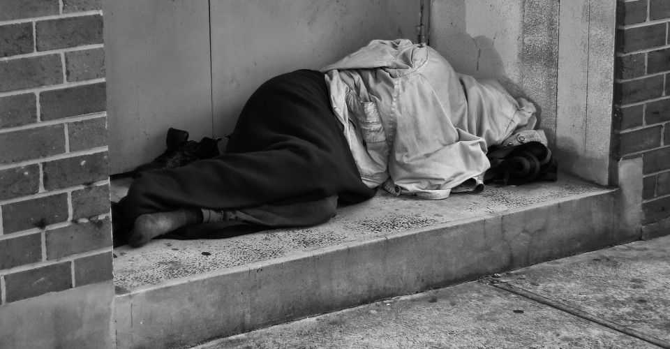 Η φτώχεια πλήττει τους Έλληνες: Κόψαμε μέχρι και το σουπερμάρκετ!