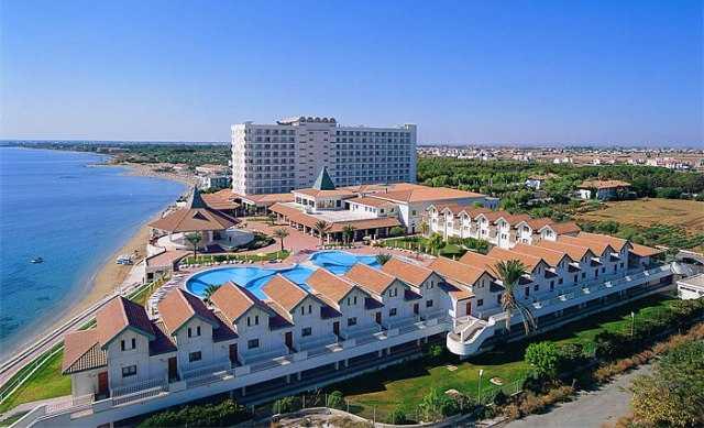 Σήμα κινδύνου για τον Τουρισμό: η υψηλή φορολογία στραγγαλίζει τα ελληνικά ξενοδοχεία