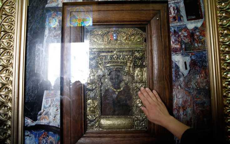 Στον Πειραιά η Παναγία των Ποντίων: Λαμπρή η υποδοχή της Ιερή εικόνας της Παναγίας Σουμελά