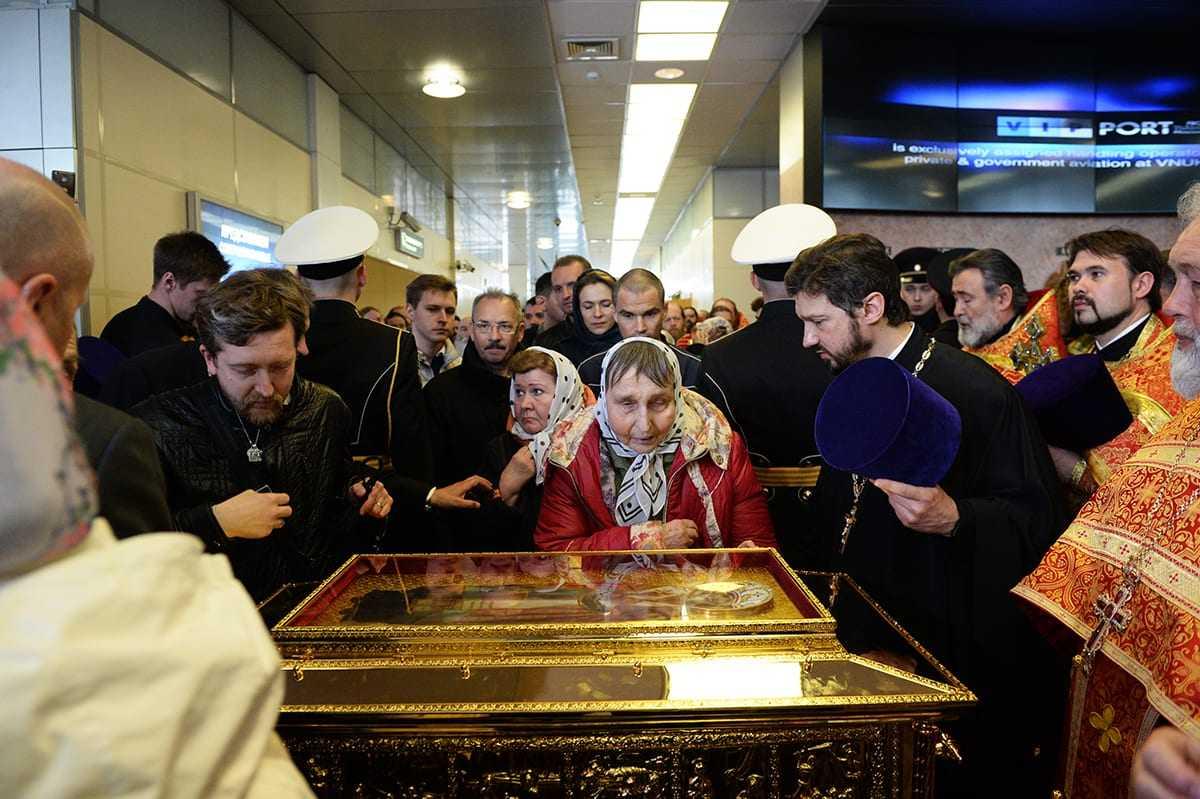 Saint Nicholas the Wonderworker's relics display in Russia