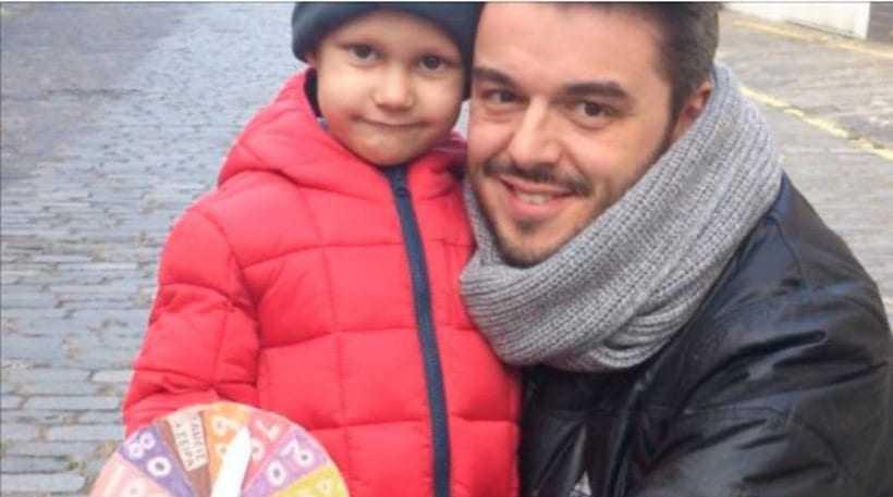 Έκκληση για βοήθεια στον 2χρονο καρκινοπαθή Βαγγέλη Ελευθεριάδη από τον παρουσιαστή Πέτρο Πολυχρονίδη