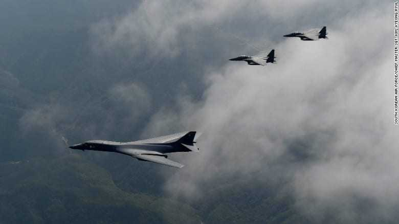 American aircrafts fly over Korea after Pyongyang's missile test!
