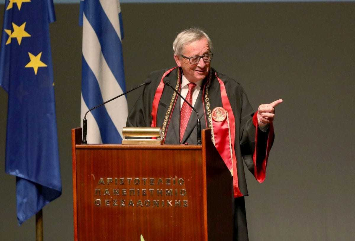 Γιούνκερ: «δεν σέβονται όλοι οι Ευρωπαίοι την αξιοπρέπεια του ελληνικού λαού» (βίντεο)