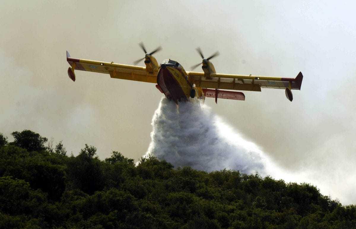 Πυρκαγιές σε Κάλαμο και Πύργο-Στη μάχη ισχυρές δυνάμεις της Πυροσβεστικής