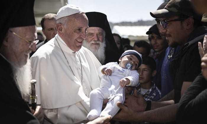 Ο Πάπας Φραγκίσκος κοντά στη δοκιμαζόμενη Λέσβο-Δωρεά 50.000€ στους σεισμόπληκτους συμπολίτες μας
