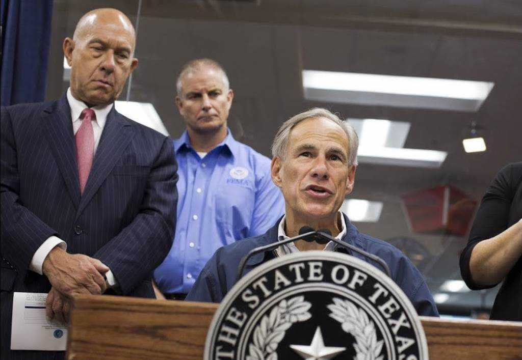 Gov. Greg Abbott compliments the Trump administration  for its swift response to Harvey