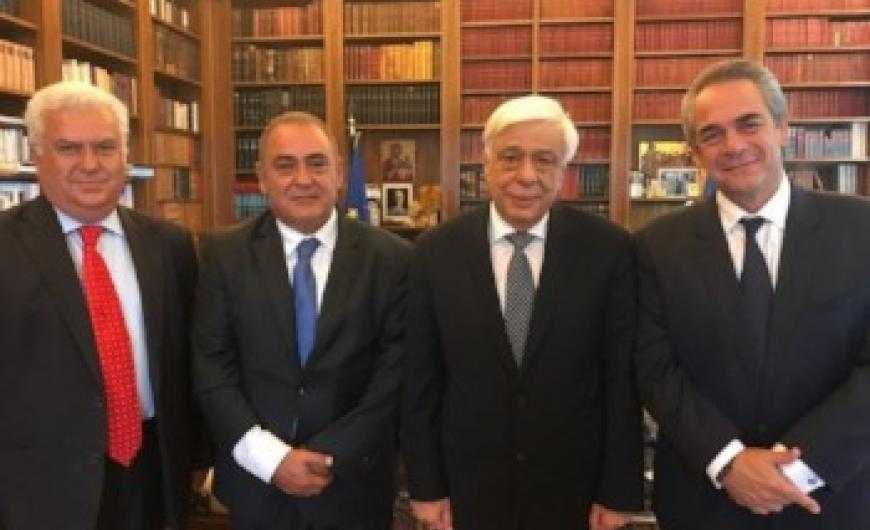 Συνάντηση των Προέδρων των Επαγγελματικών Επιμελητηρίων Αθηνών με τον Προκόπη Παυλόπουλο