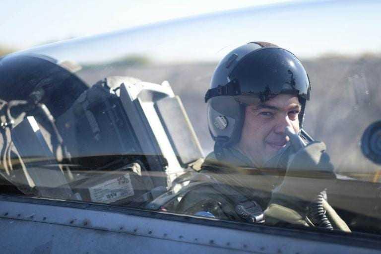 Ο Πρωθυπουργός πέταξε με F-16!