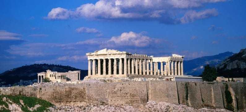 Bloomberg: 8 ερωτήματα για την Ελλάδα -Φόβος για προεκλογικές υποσχέσεις