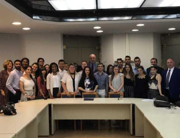 Συνάντηση Τ. Κουίκ Με Φοιτητές Από Τη Νέα Υόρκη Που Πραγματοποιούν Εκπαιδευτικό Ταξίδι Στην Ελλάδα