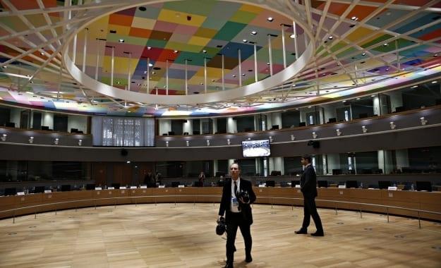 Συνεδριάζει σήμερα το Euroworking Group στο Παρίσι, με φόντο ΔΝΤ και χρέος