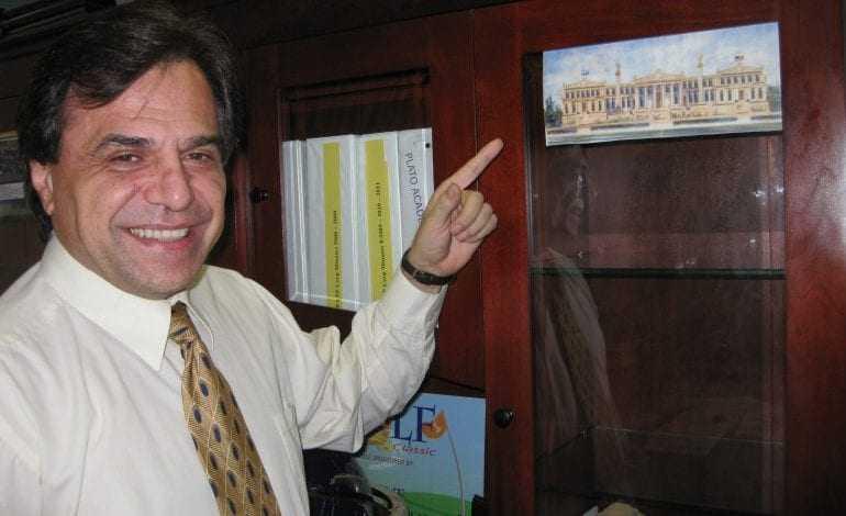 «Εφυγε» ο δημιουργός των σχολείων της «Ακαδημίας του Πλάτωνα» στην Φλόριντα, Στηβ Χριστόπουλος